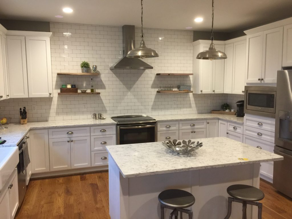 White Shaker kitchen with shelves